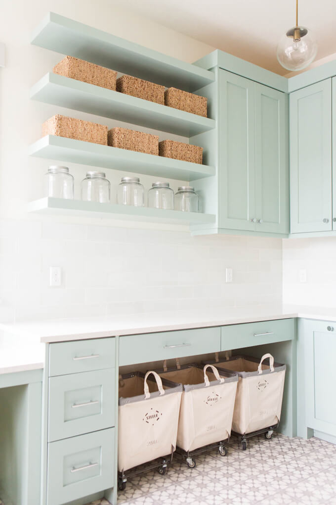 Laundry Room Interior Design idea