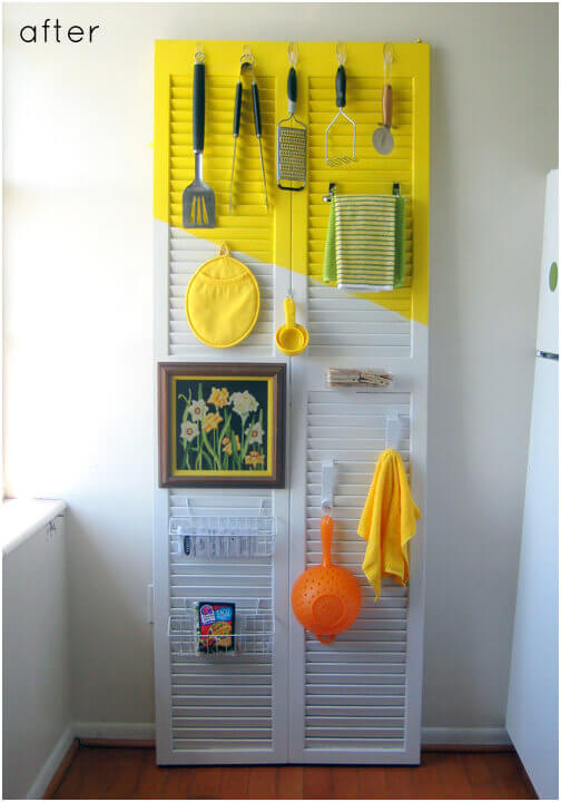 Arrange-Utensils-and-Cloths-on-an-Old-Shutter-Door