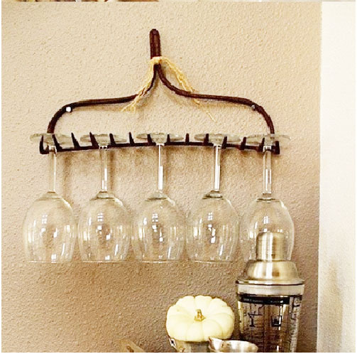Use-an-Old-Rake-as-a-Wineglass-Holder